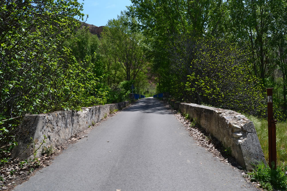 Entrada al puente desde Torremocha