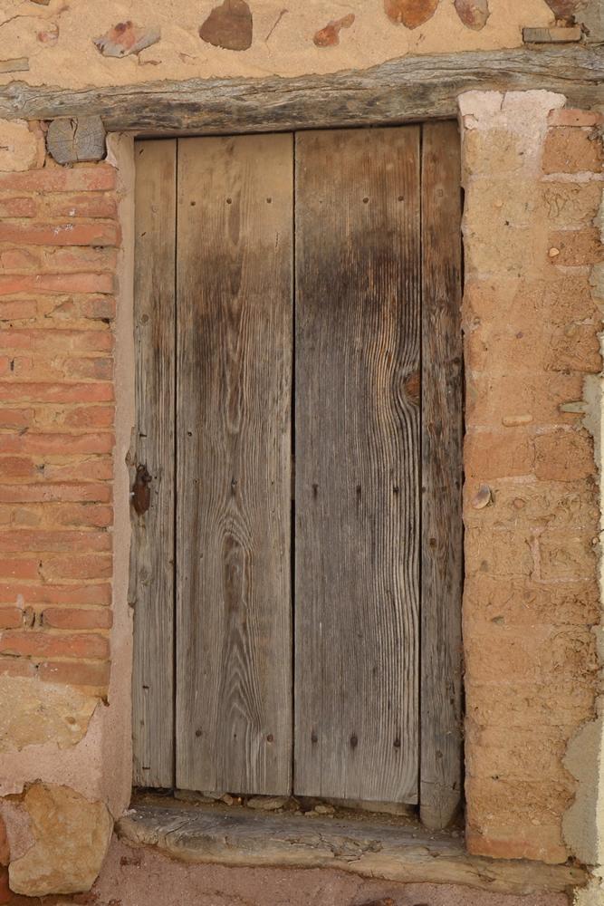 """Recuerdos de """"aquel"""" Uceda - Puerta"""