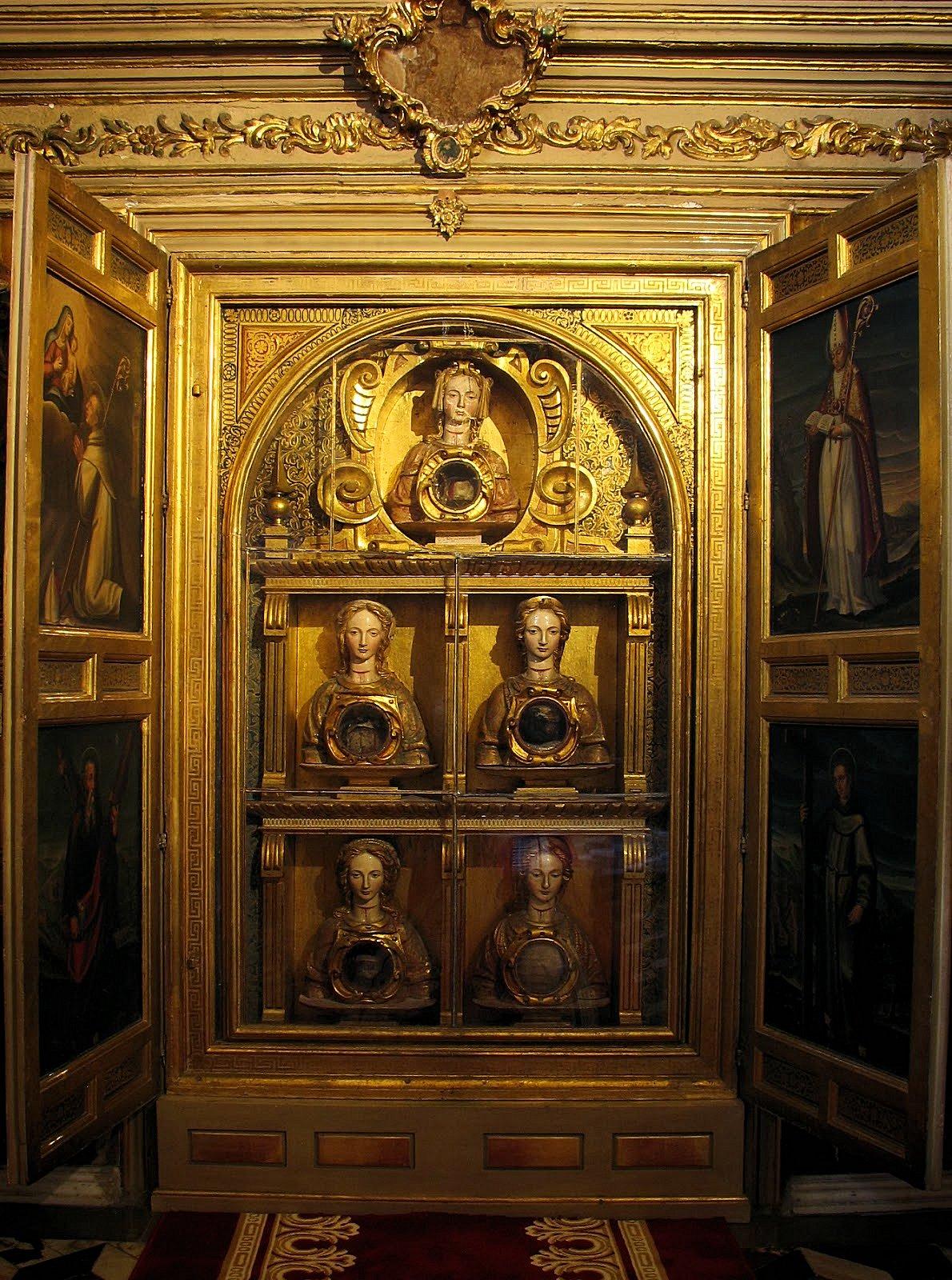 Sala de Lepanto - Relicario de las Once mil Virgenes. Camarín de Nuestra Señora del Rosario Coronada de Granada
